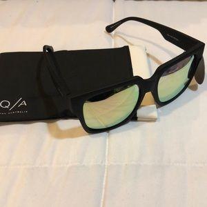 Pink/green mirrored sunglasses